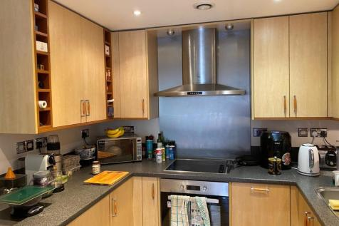 Gloucester Square, SOUTHAMPTON. 2 bedroom apartment