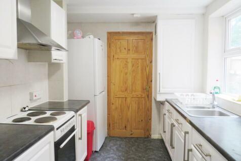 Portswood Road, SOUTHAMPTON. 4 bedroom house
