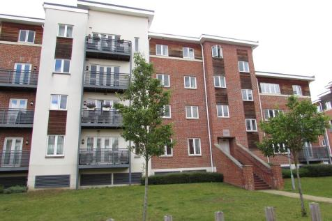 Blenheim Court, Kingsquarter, MAIDENHEAD. 2 bedroom apartment