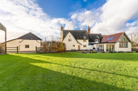 Great Moulton, NR15. 7 bedroom house for sale