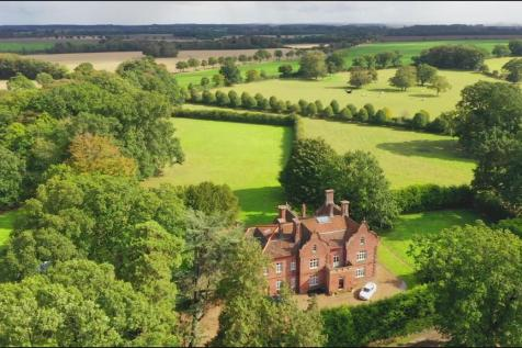 Bessingham Manor, Bessingham, Norfolk. 9 bedroom detached house