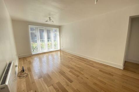 Addiscombe Road, Croydon. 2 bedroom flat