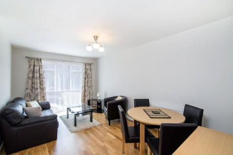 Ravensmede Way, Chiswick, London, W4. 1 bedroom flat