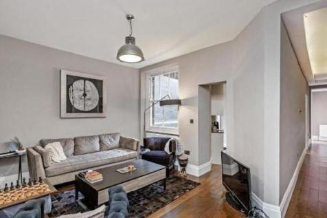 Hanson Street, Fitzrovia. 3 bedroom apartment