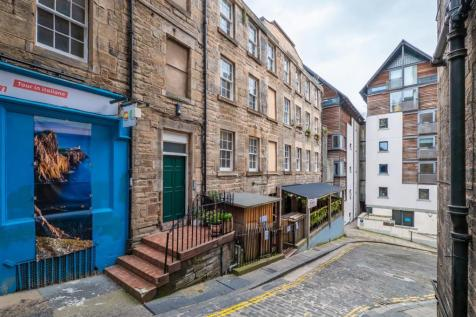 5/3 Old Fishmarket Close, 190 High Street, EH1 1RW. 2 bedroom flat for sale