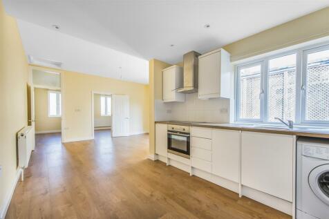 Sangley Road, Catford, London, SE6 2JT. 2 bedroom flat