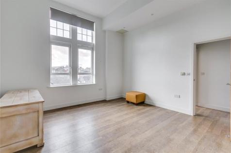 Academy Court, 34, Glengall Road, London, NW6. 2 bedroom flat