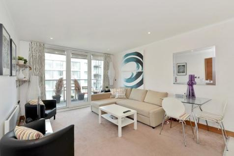 Queenstown Road, Battersea, SW8. 1 bedroom flat