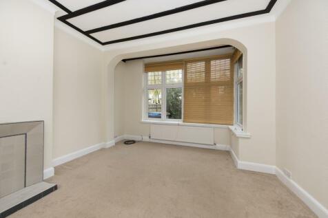 Kingswood Road, SW19. 2 bedroom flat