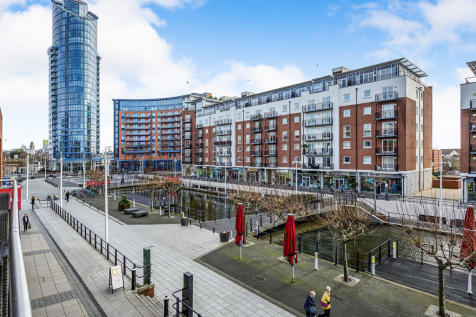 The Canalside Gunwharf Quays, Portsmouth, PO1. 2 bedroom flat