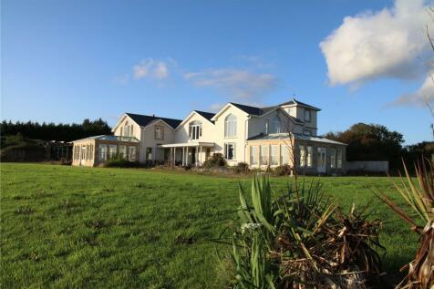 Llansteffan, Carmarthen, Carmarthenshire, SA33. 5 bedroom detached house for sale