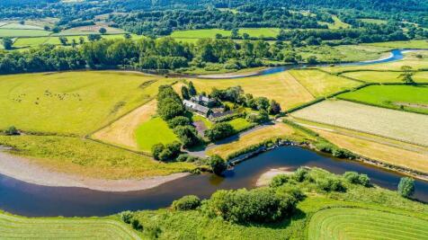 Ro-Fawr Farm, Dryslwyn, Nr Llandeilo, Carmarthenshire, SA32. 10 bedroom detached house