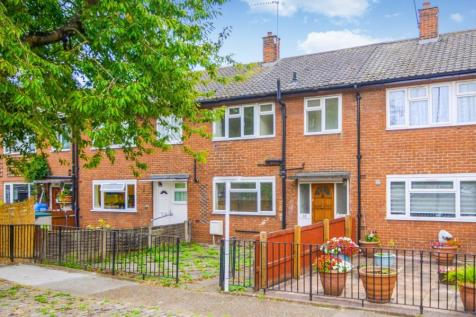 Bagleys Lane, Fulham, SW6. 3 bedroom terraced house
