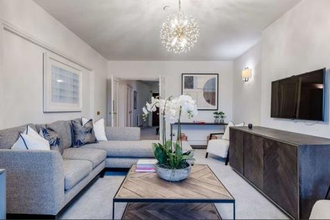 Strathmore Court Park Road St Johns Wood NW8. 4 bedroom flat