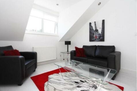 Ravenshurst Avenue Hendon NW4. 2 bedroom flat