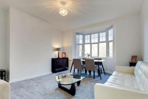 Frognal Finchley Road NW3. 3 bedroom flat