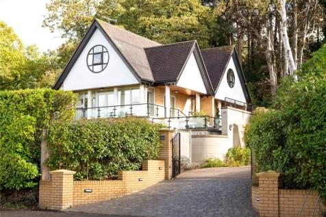 Lower Golf Links Road, Broadstone, Poole, Dorset, BH18. 4 bedroom detached house