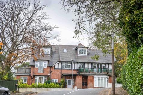 Sandecotes Road, Lower Parkstone, Poole, Dorset, BH14. 3 bedroom apartment