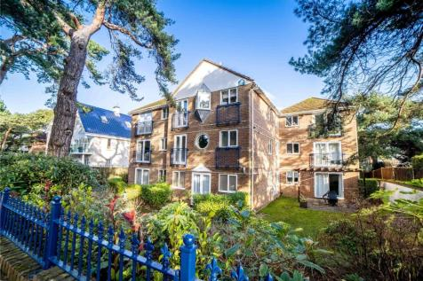 The Winners, 71 Panorama Road, Sandbanks, Poole, BH13. 2 bedroom apartment