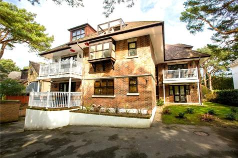Gulls Ridge, 63 Panorama Road, Sandbanks, BH13. 2 bedroom apartment