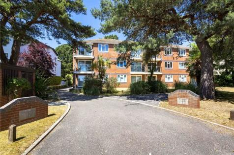 Sandhaven Court, 54-56 Banks Road, Sandbanks, Poole, BH13. 2 bedroom apartment