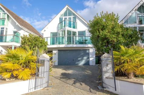 Lagoon Road, Lilliput, Poole, BH14. 4 bedroom detached house