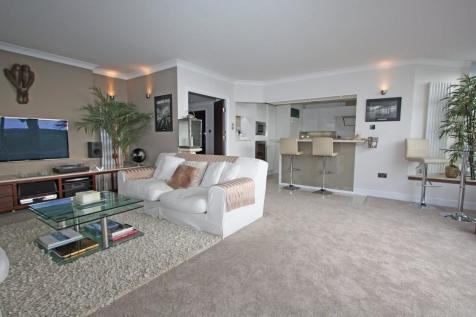 Penthouse, Oyster Quay, Port Solent. 3 bedroom penthouse