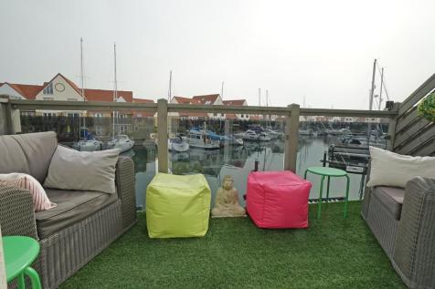 Bryher Island, Port Solent. 3 bedroom town house