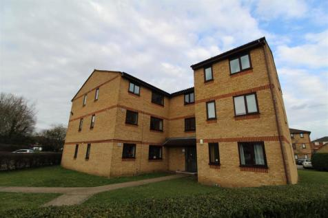Lowestoft Drive, Cippenham. 1 bedroom block of apartments