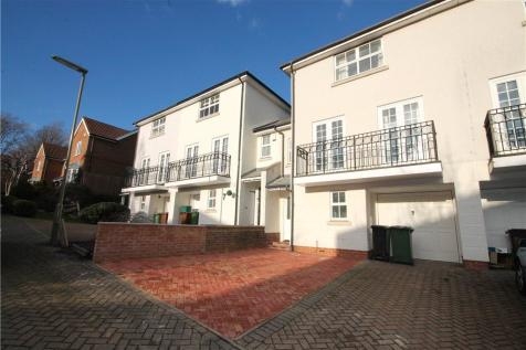 St. Theresa Close, Epsom, Surrey, KT18. 4 bedroom house