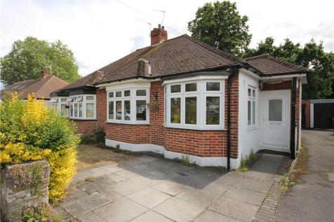 Kendor Avenue, Epsom, Surrey, KT19. 2 bedroom bungalow