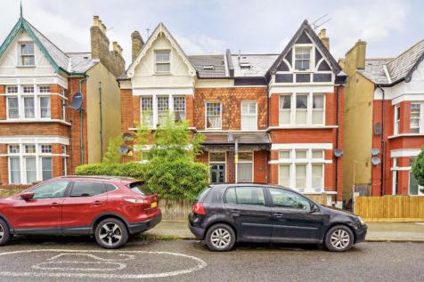 Knollys Road, Streatham. 2 bedroom flat for sale
