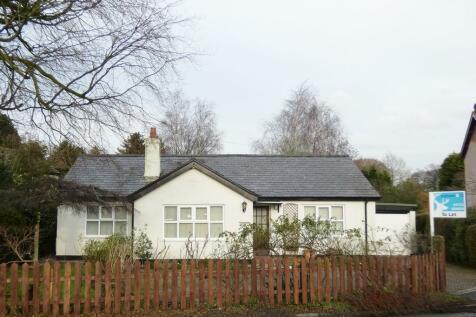 Lea Road, Lea Town, Preston. 3 bedroom detached bungalow