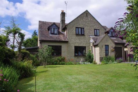 Nostle Road, Northleach, Gloucestershire. 5 bedroom detached house