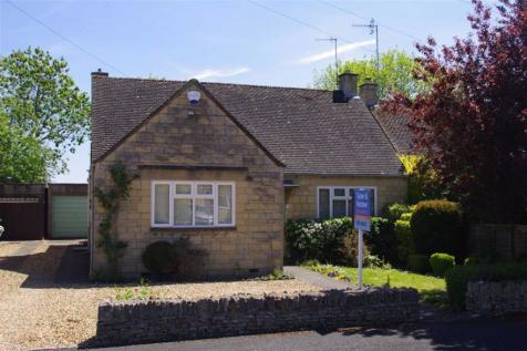 Letch Hill Drive, Bourton-on-the-Water, Gloucestershire. 3 bedroom detached bungalow