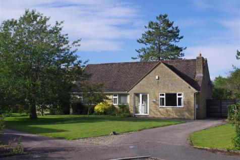 The Gorse, Bourton-on-the -Water, Gloucestershire. 3 bedroom detached bungalow