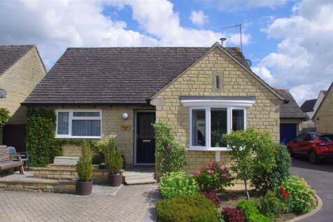 Park Farm, Bourton-on-theWater, Gloucestershire. 2 bedroom detached bungalow
