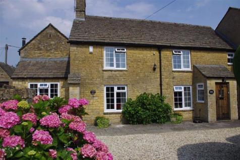 Lansdowne, Bourton-on-the-Water, Gloucestershire. 4 bedroom cottage