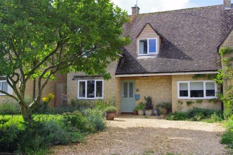 Roman Way, Bourton-on-the-Water, Gloucestershire. 4 bedroom semi-detached house