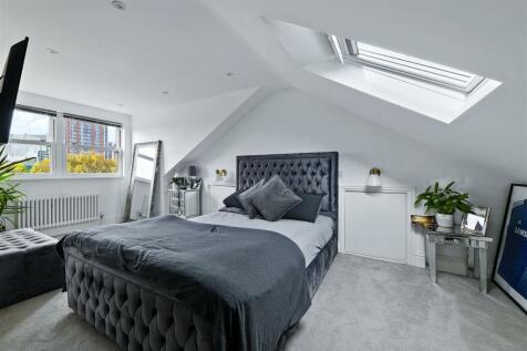 Windmill Road, Brentford. 2 bedroom apartment