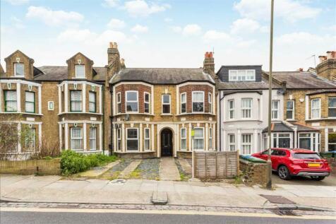 Eglinton Hill, London. 4 bedroom house