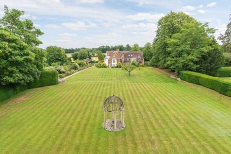 BOOKHAM. 4 bedroom house for sale