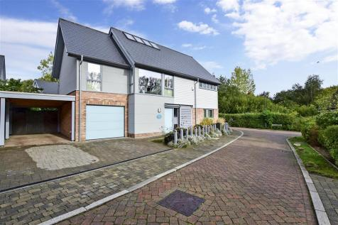 Shoesmith Lane, Kings Hill, West Malling, Kent. 5 bedroom detached house for sale