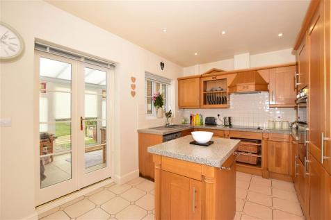 Braeburn Way, Kings Hill, West Malling, Kent. 3 bedroom detached house for sale