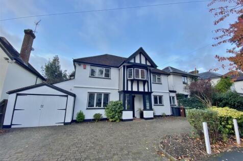 Woodlands Road, Bushey. 4 bedroom detached house for sale