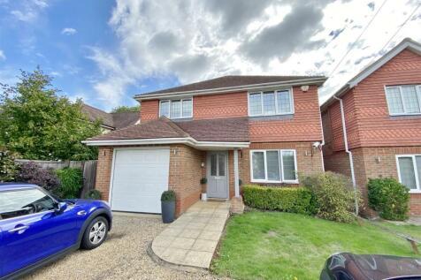 Coldharbour Lane, Bushey. 4 bedroom detached house for sale