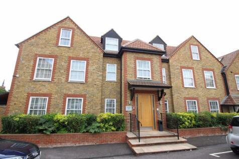 Highfield Road, Bushey. 2 bedroom flat