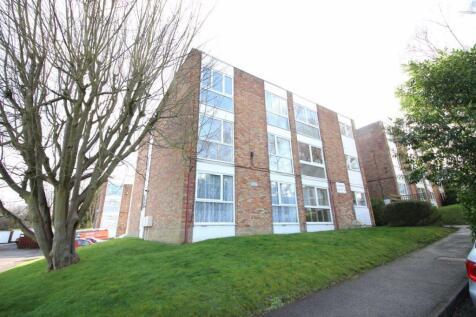 Claybury, Bushey. 1 bedroom flat