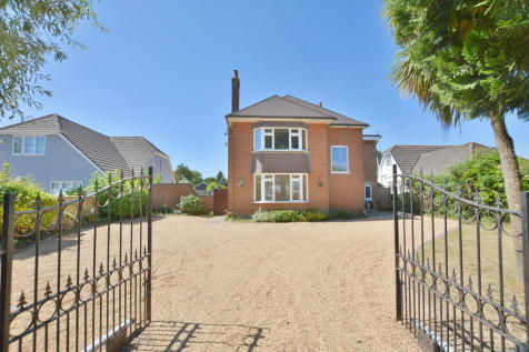 Magna Road, BOURNEMOUTH. 4 bedroom detached house