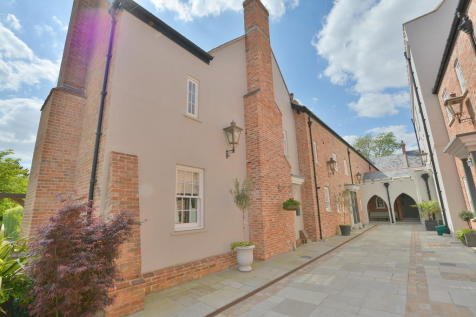Stapehill Abbey , Wimborne. 4 bedroom mews house